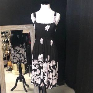 White & black floral print elastic bust sundress